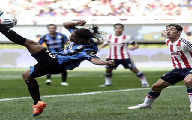 Ronaldinho pretendido por club de Angola - Foto de Daily Mail
