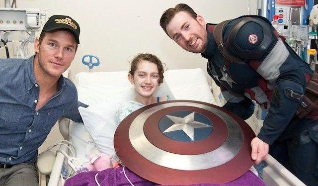 Chris Evans y Chris Pratt visitan hospitales - Chris Evans y Chris Pratt