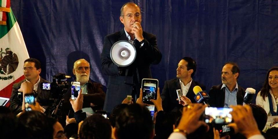 Calderón defiende su Gobierno - Calderón defiende su Gobierno