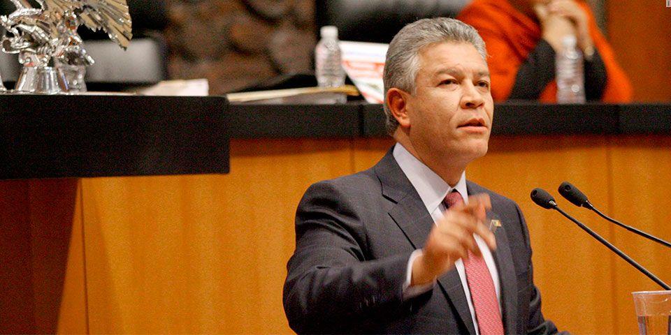 David Penchyna nuevo director del Infonavit - David Penchyna, senador PRI