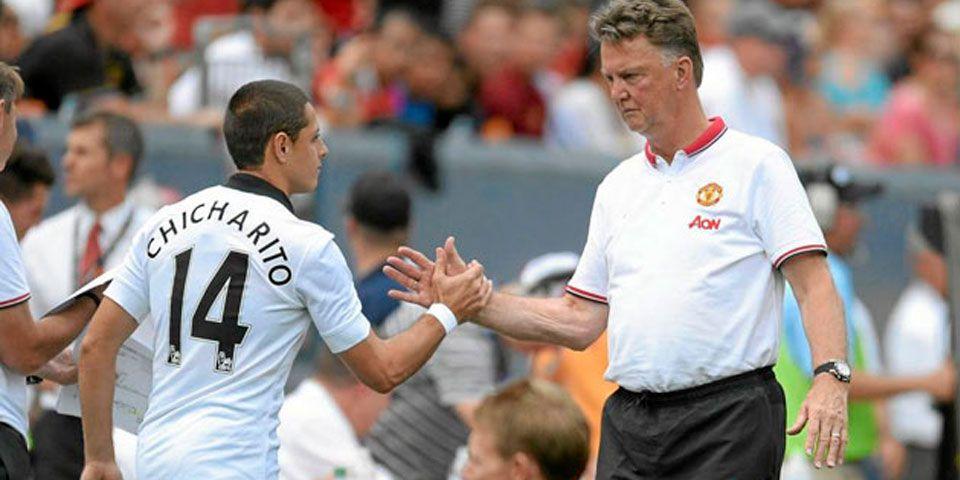 Chicharito regresa a Manchester - Van Gaal rechaza regreso del Chicharito
