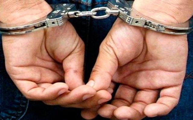 Detienen a implicado de multihomicidio en Totolapan - Esposas