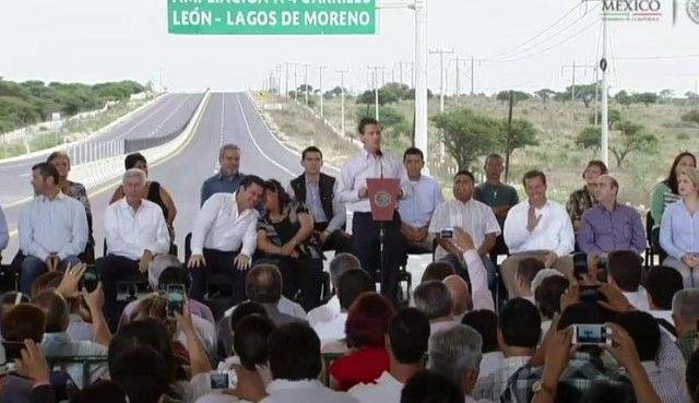 Entregan ampliación de carretera León-Lagos de Moreno - Enrique Peña Nieto, presidente de México en Lagos de Moreno