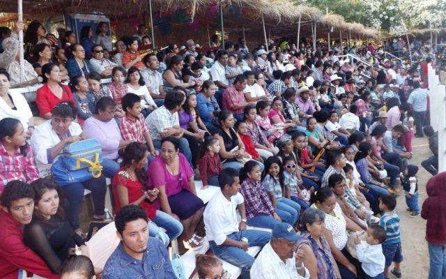 Muere comerciante en corrida de toros en Tehuantepec - plaza de toros
