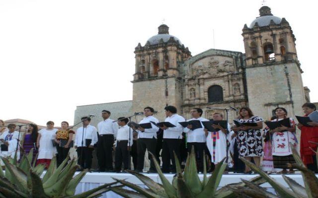 Celebran a la ciudad de Oaxaca por sus 483 años - Foto de Quadratín