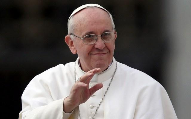 El papa Francisco regaló dinero a los pobres de Roma - Papa Francisco