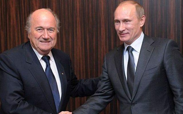 Putin felicita a Blatter por su reelección - Foto de AP