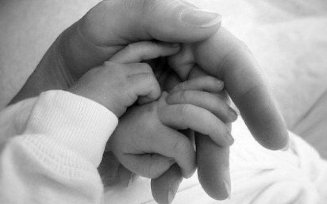Sobrevive bebé que pesó 480 gramos al nacer - bebé