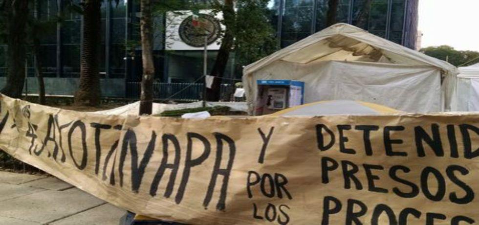 Padres de normalistas escucharán declaración de ex policía de Iguala - Caso Ayotzinapa