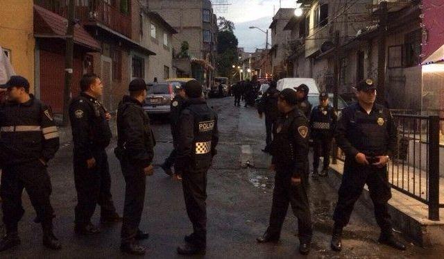 Balacera deja un muerto y 2 heridos en la Álvaro Obregón - Foto de @floresjo22