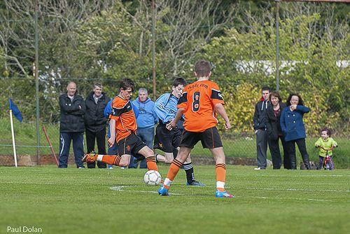 Joven futbolista muere en la cancha - Foto de Flicker / Paul Dolan