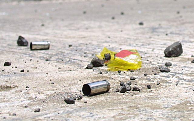 Enfrentamiento de civiles con marinos deja tres muertos en Michoacán - Dos atacantes fueron abatidos.