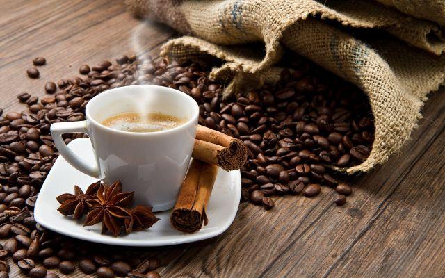 ¿Cuántas tazas de café se pueden beber al día? - Foto de archivo