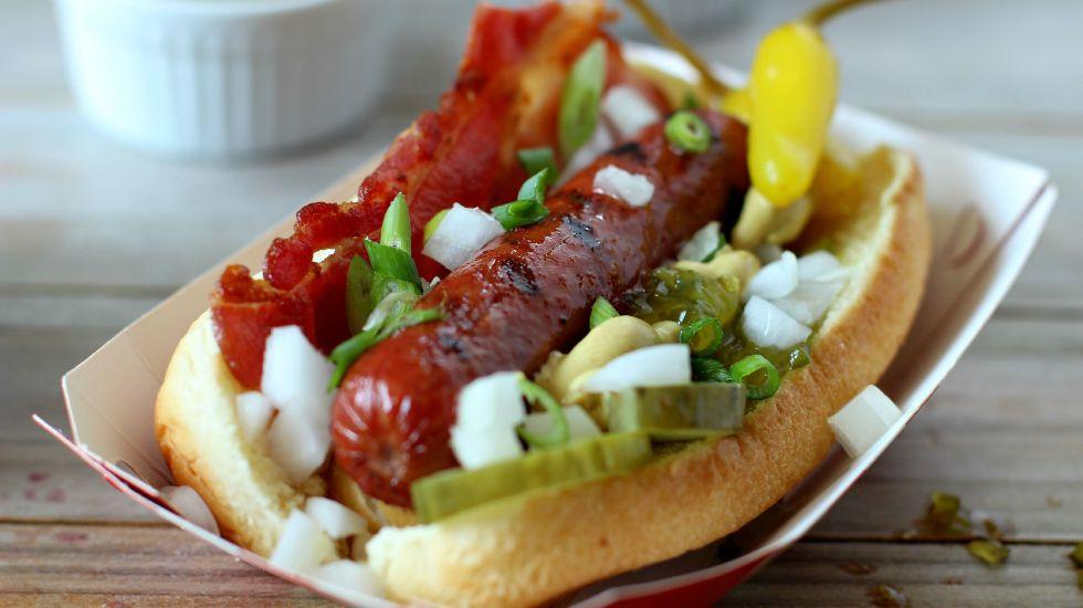 Comida en tiendas 24 horas tendrá IVA - Hot dogs en las tiendas de 24 horas tendrán IVA a partir del 1 de julio