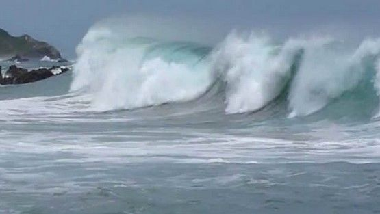Alerta en Michoacán por mar de fondo - Mar de fondo