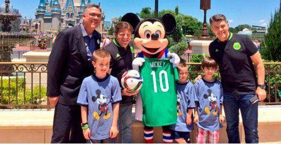 Mickey Mouse se pone la verde - Mickey Mouse se pone la verde