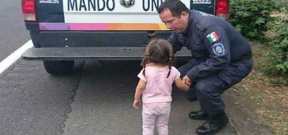 Niña que caminaba sola en la autopista se reúne con sus padres - Monse la niña que caminaba sola en la carretera