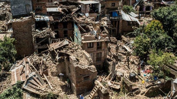 Rescatan a hombre de más de 100 años en Nepal - Rescatan a hombre de más de 100 años en Nepal
