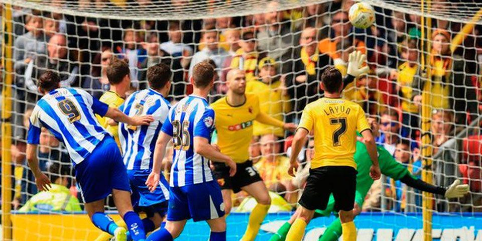 Layún y Watford dejan ir el título - Layún y Watford dejan ir el título