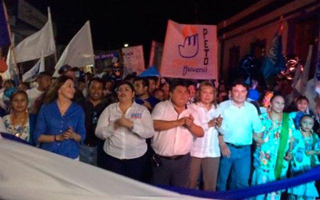 Mueren dos en cierre de campaña del PAN en Yucatán - Foto de @BeatrizZavala