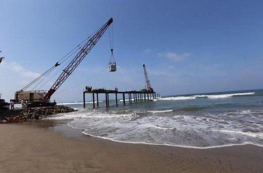 Terminará desmantelamiento de muelle en Acapulco en julio - Foto de @GobOrtega