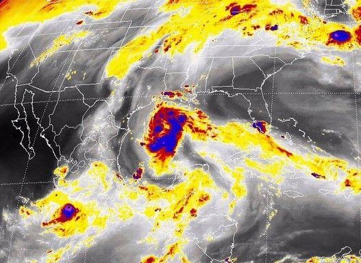 Se forma la Tormenta Tropical Bill en el Golfo de México - Foto de@chaac_tlaloc