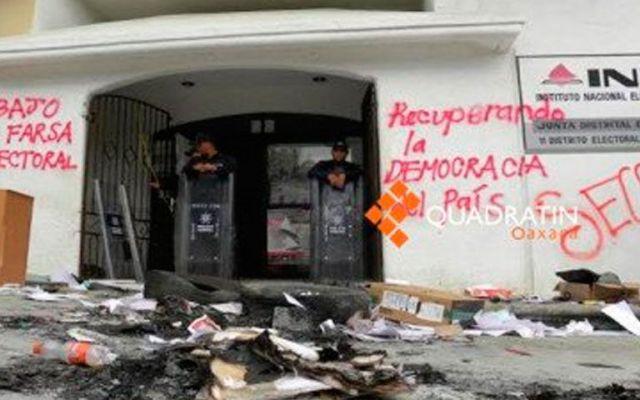Policía Federal recupera otra junta distrital del INE en Oaxaca - Foto de Agencia Quadratín