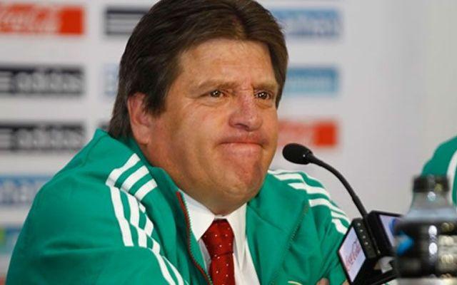 México en su peor posición en la historia del Ranking FIFA - Miguel Herrera durante su etapa al frente del Tri. Foto de archivo