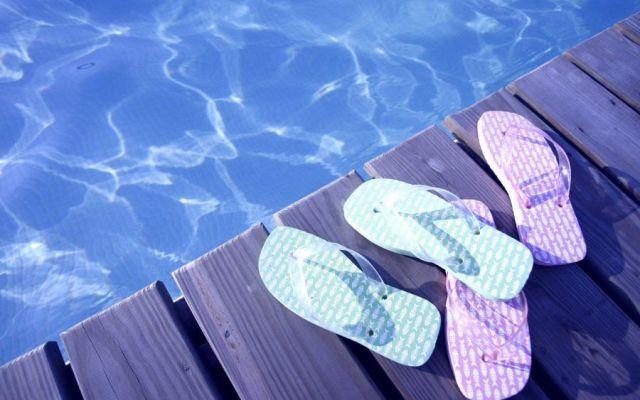 Las desventajas de usar sandalias - Foto de archivo