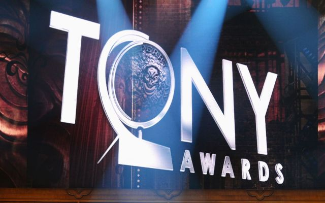 """Fun Home"" y ""Curious Incident"" triunfan en los Premios Tony"