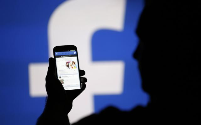 Facebook prueba servicio de streaming en usuarios - Foto de archivo