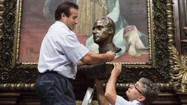 Quitan busto del rey emérito Juan Carlos I de Barcelona - Foto de Internet