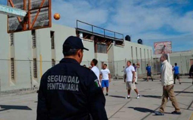 Custodios de El Chapo se amparan por incomunicación - Foto de Pulso SLP.