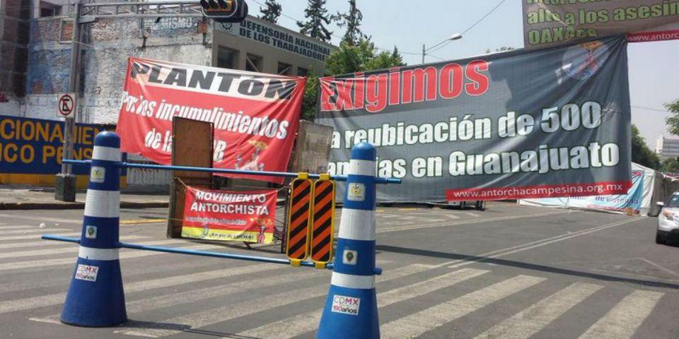 Plantón de Antorchistas ha dejado pérdidas por más de 350 mdp - Foto de @changeling2000