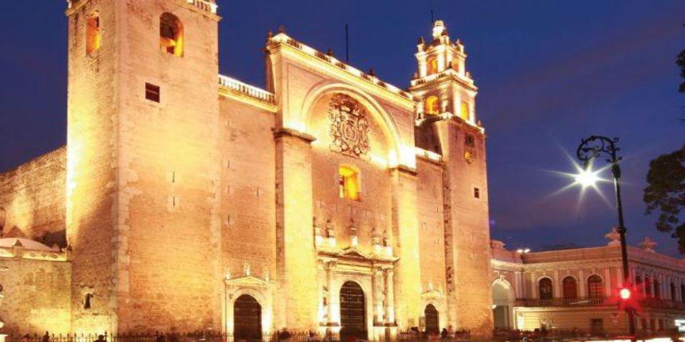 Promoverá Mérida turismo mediante teléfonos inteligentes - Catedral de Mérida.// Foto de Unión Yucatán.