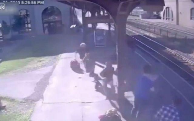 Niño provoca accidente de tren en EE. UU. - Foto de Live Leak.