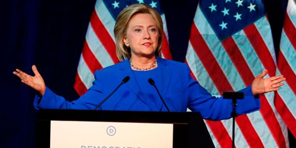 Hillary Clinton propone facilitar ciudadanía a inmigrantes en EE.UU. - Foto de AP