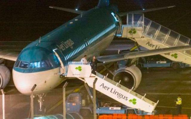 Joven murió en avión de Aer Lingus por drogas en el estómago - Foto de irishtimes.com