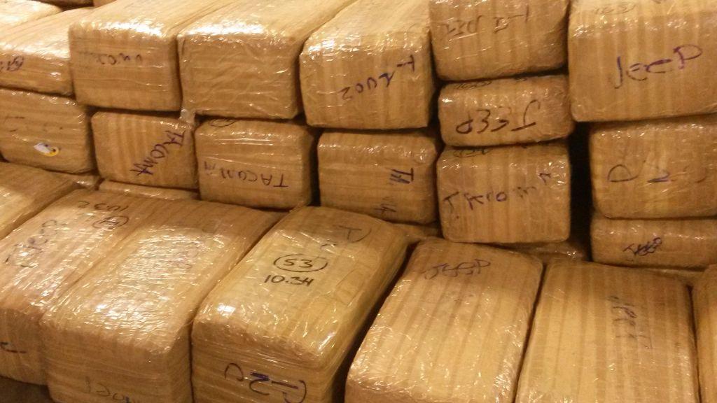 Aseguran casi media tonelada de mariguana en BC