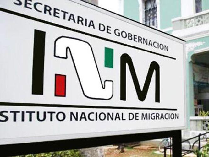 Rescatan a 34 migrantes indocumentados con señas de asfixia - Foto de excelsior.com.mx