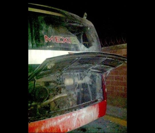 """Grupo """"La Secta Pagana de la Montaña"""" se atribuye ataque al Mexibús - Unidades de emergencia atienden el atentado en el Mexibús - Foto de El Universal"""