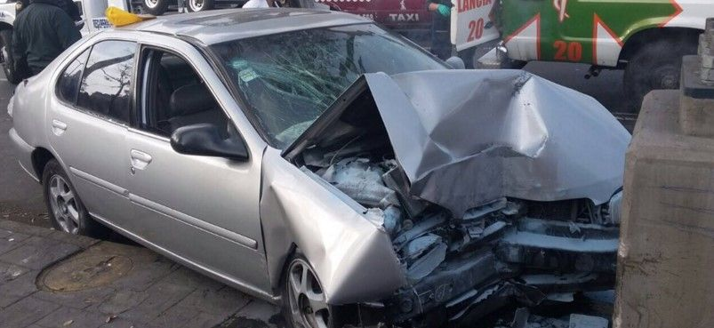 Muere mujer tras chocar contra poste en La Viga - Foto de Twitter de @guiesga