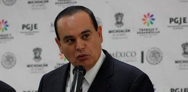En Michoacán tienen órdenes de aprehensión contra maestros y normalistas - José Martín Godoy Castro Procurador de Michoacán - Foto de La Voz de Michoacán