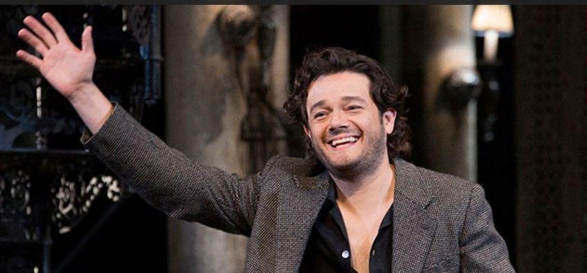Tenor Arturo Chacón-Cruz le canta a México desde Londres - Foto de arturochaconcruz.com