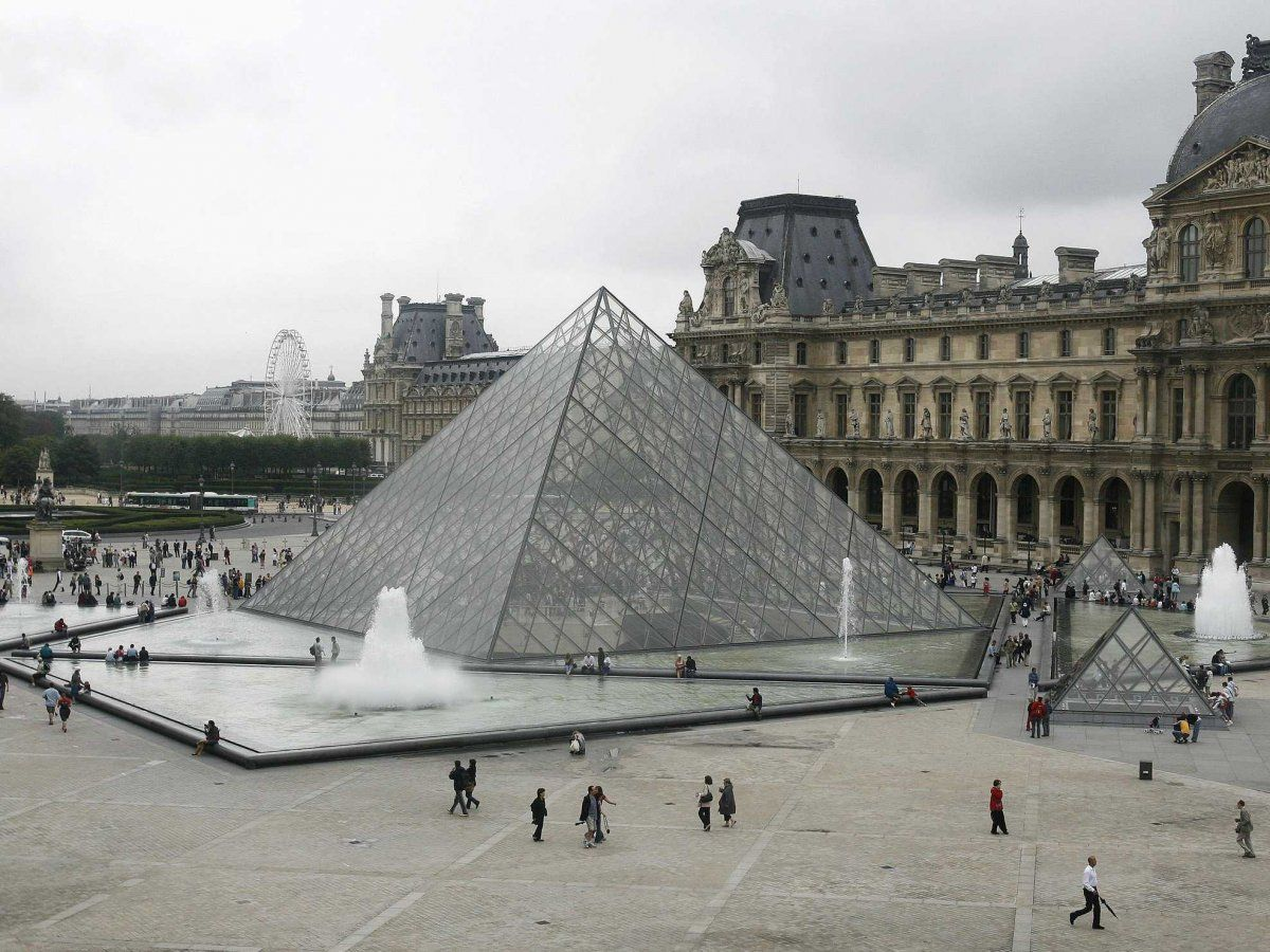 9-the-louvre