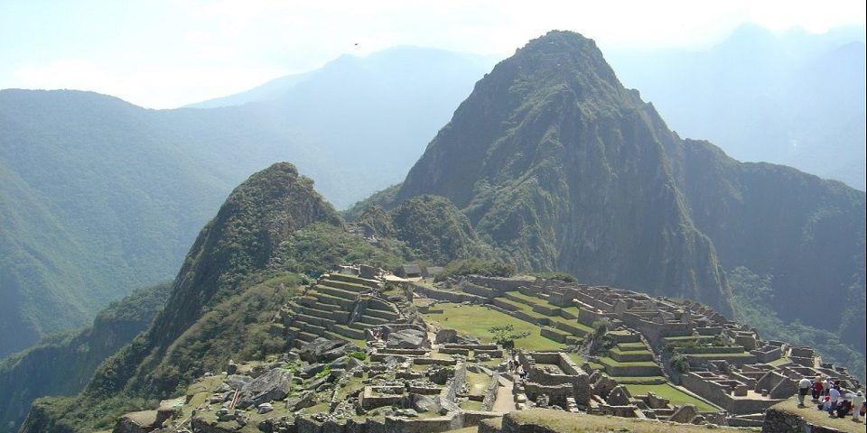 Muere hombre por tomarse foto en Machu Picchu