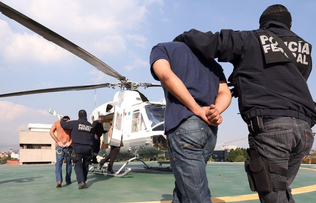 Detienen a 3 presuntos responsables de robo de hidrocarburos - Foto de PGR