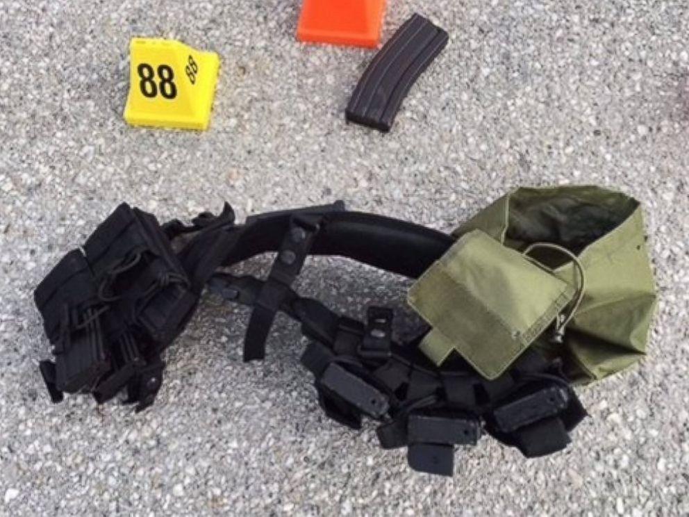 Las armas cargadas por los responsables del ataque. Foto de oficina del alguacil de San Bernardino