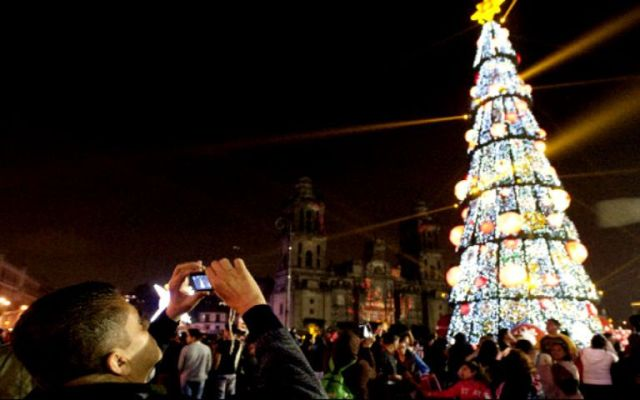 Más de 35 mil LEDs iluminan decoración decembrina en el D.F. - Foto: internet