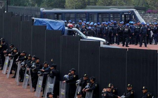Más de cuatro mil policías vigilarán el Pumas vs América - Foto de El Universal